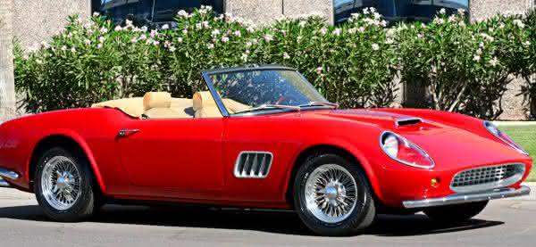 Ferrari 250 GT curtindo a vida adoidado