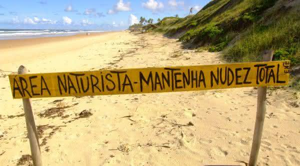 Massarandupio uma das melhores praias de nudismo do brasil
