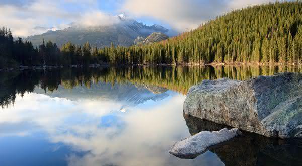 grande lago do urso