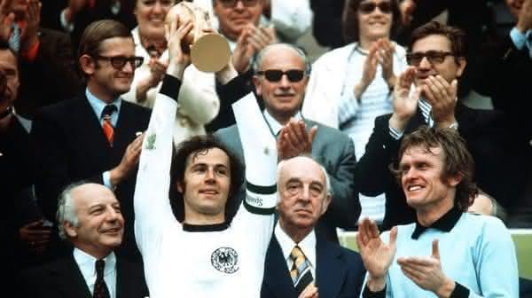 Franz Beckenbauer um dos maiores jogadores