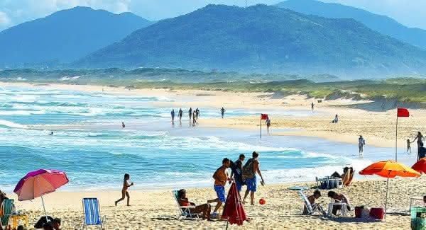 praia da joaquina entre as praias mais famosas do brasil
