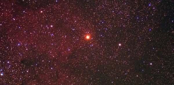 Mu Cephei um das maiores estrelas do universo