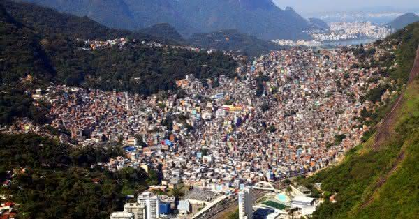 favela rocinha a maior favela do brasil