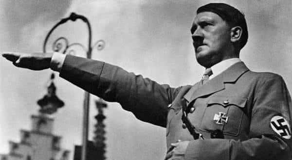 Adolf Hitler entre as pessoas mais populares da historia