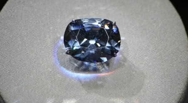 Le Bijou du Roi hope mais caros diamantes