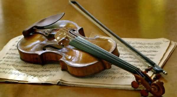 Violino de Antonio Stradivari um dos instrumentos musicais mais carosd