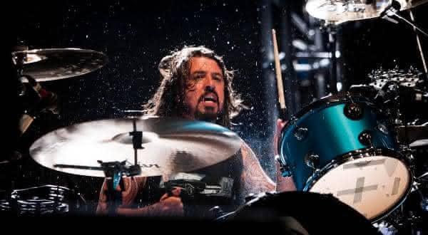 Dave Grohl entre os melhores bateristas da historia