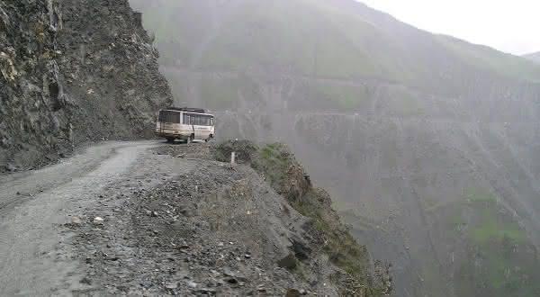 Zojila Pass uma das estradas mais perigosas do mundo