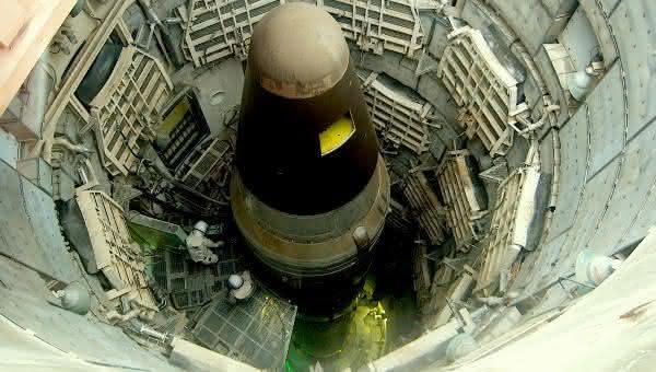 reino unido entre as maiores potencias em armas nucleares