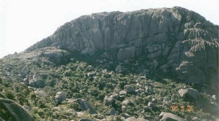 pedra do sino entre os maiores montes do brasil