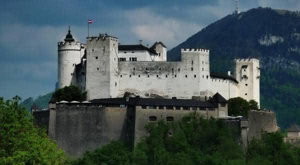 Castelo Hohensalzburg entre os maiores castelos do mundo