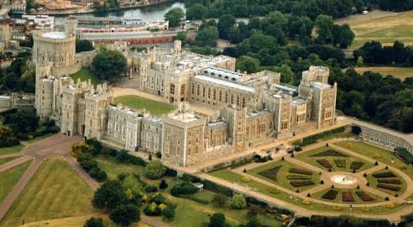 Castelo de windsor entre os maiores castelos do mundo