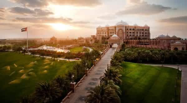 Emirates Palace entre os edificios mais caros do mundo