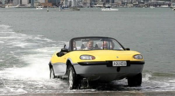 Gibbs Aquada entre os mais incriveis carros anfibios