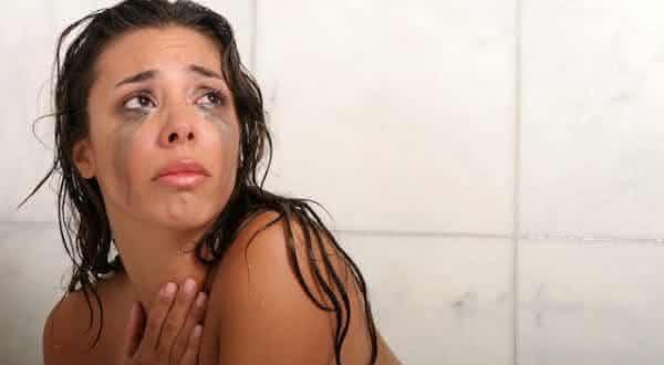 Top 10 coisas que deixam as mulheres menos atraentes