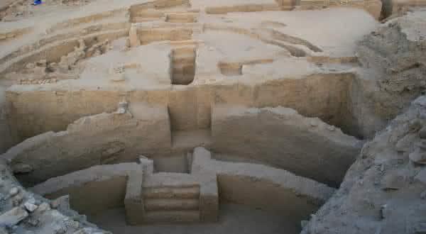 Sechin Bajo entre as construcoes mais antigas do mundo