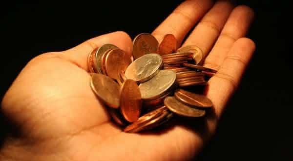 pegar moedas entre as alergias mais estranhas