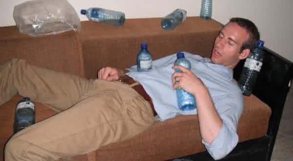 beber muita agua entre os mitos mais comuns sobre emagrecimento