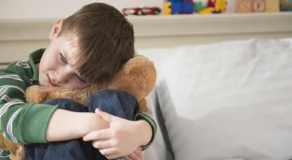 molestar criancas entre os insistentes mitos sobre a homossexualidade
