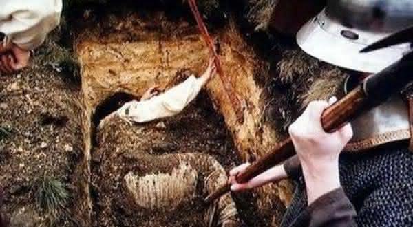Philomele Jonetre entre os casos mais terriveis de pessoas enterradas vivas