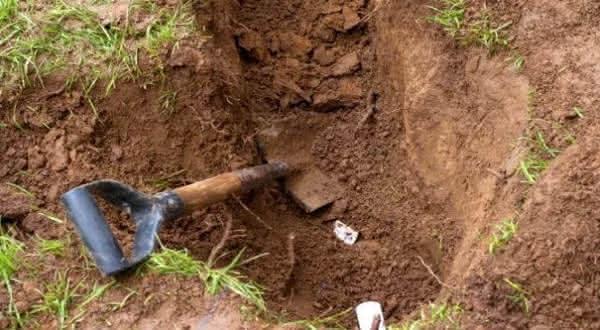 Stephen Small entre os casos mais terriveis de pessoas enterradas vivas