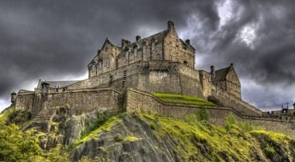 castelo de edimburgo entre os lugares mais assustadores do mundo