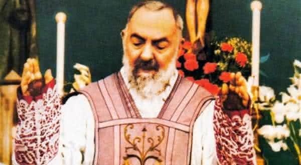 padre pio entre os chocantes milagres religiosos nunca explicados