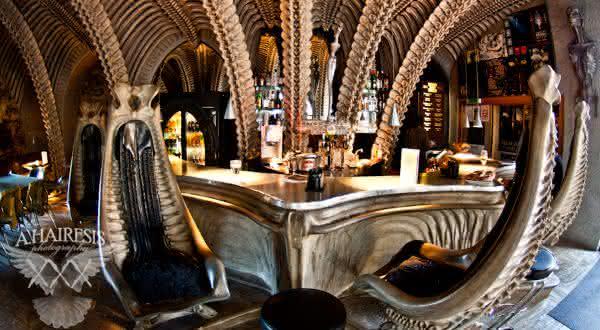 The H R Giger Bar entre os bares mais bizarros do mundo