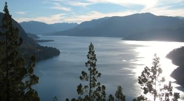 San Martin entre os lagos mais profundos do mundo