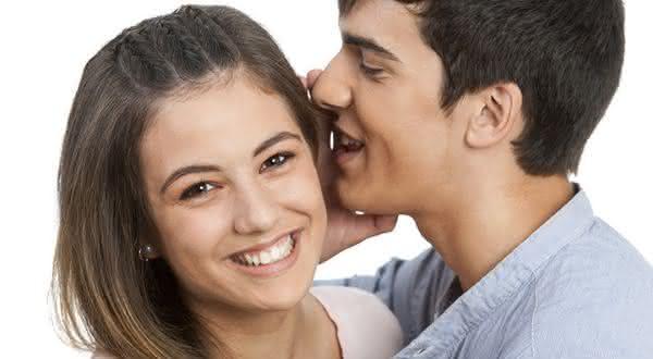 voz de homens entre os fatos bizarros sobre adulterio
