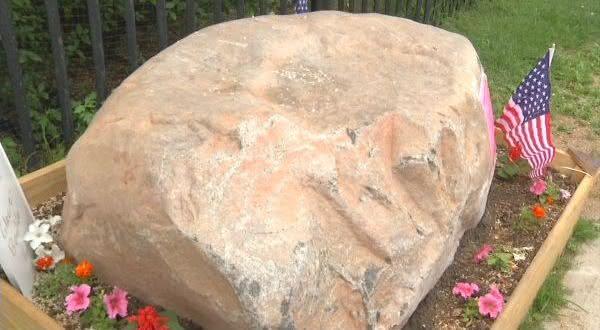 Martense Lane Rock supostas marcas deixadas pelo diabo na Terra