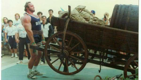 Bill Kazmaier entre os homens mais fortes do mundo