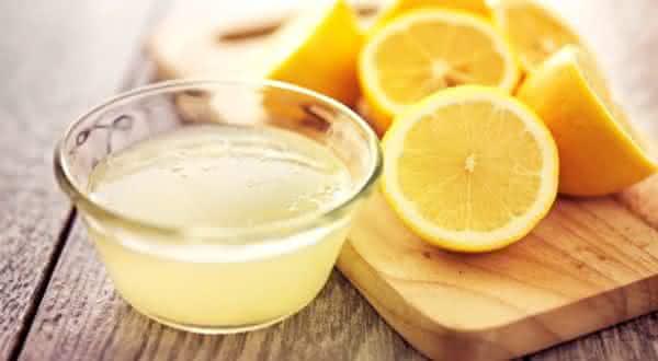 suco-de-limao-remedios-caseiros-para-olheiras