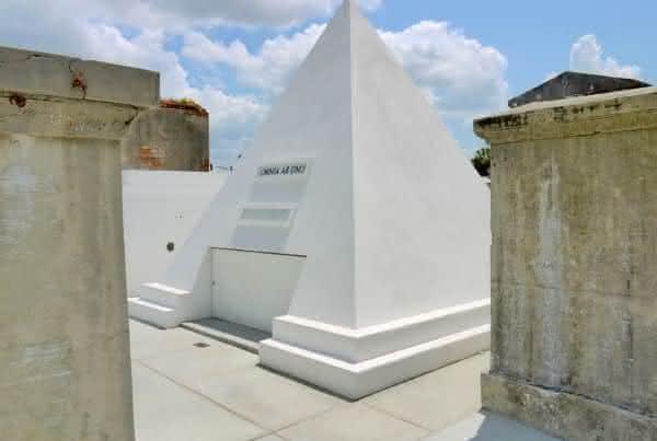Top 10 cemitérios mais bonitos do mundo 8