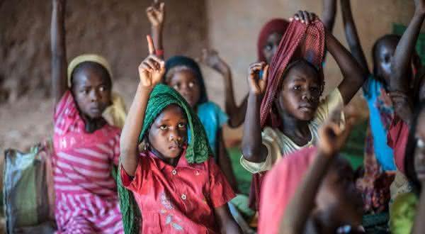 chade entre os paises com maior taxa de analfabetismo