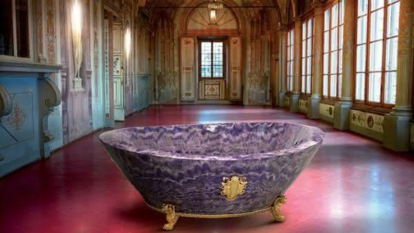 Baldi Amethyst entre as banheiras mais caras do mundo