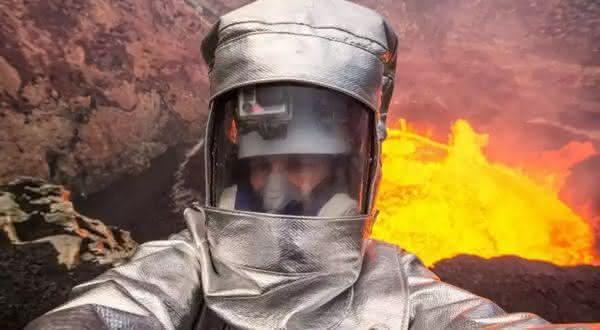 vulcao ativo entre os selfies mais perigosos de todos os tempos