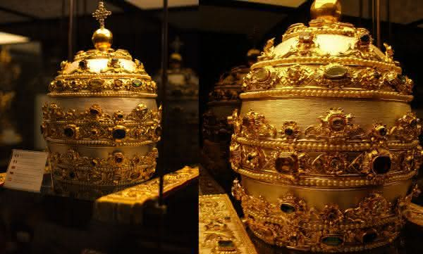 The Popes Tiara entre os chapéus mais caros do mundo