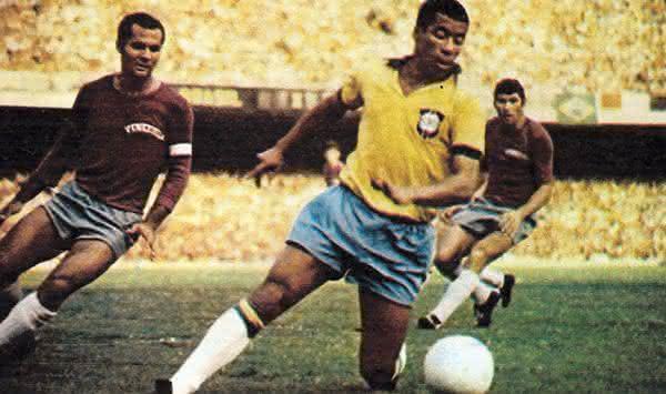 Jairzinho entre os melhores jogadores brasileiros de todos os tempos