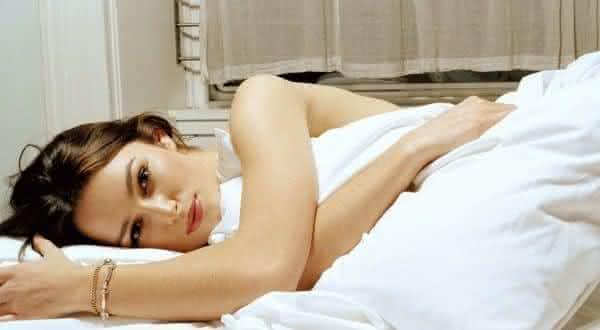 Top 10 razões pelas quais mulheres mais jovens são melhores na cama