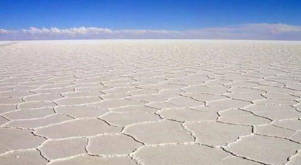 Namak Lake entre os desertos de sal mais incriveis do mundo