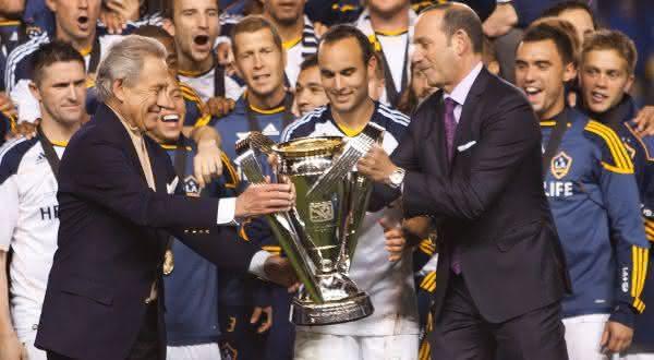 Philip Anschutz entre os proprietarios de equipes de futebol mais ricos do mundo