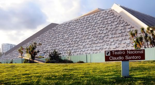 Teatro Nacional Claudio Santoro entre as coisas para ver e fazer em Brasilia