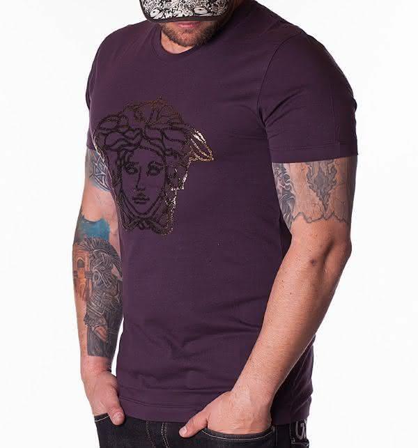 Versace entre as marcas de camisetas mais caras do mundo