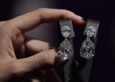 brinco gota de diamante winston entre os brincos mais caros do mundo