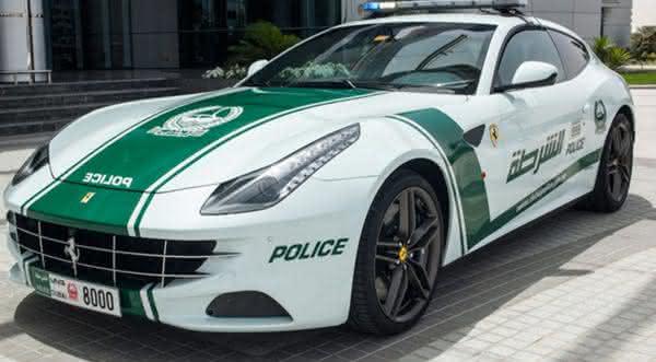 Ferrari FF entre os carros de policia mais caros do mundo