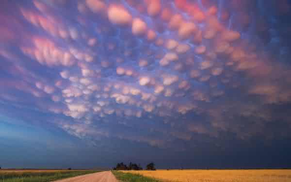 Mammatus entre os fenomenos naturais mais incriveis do mundo