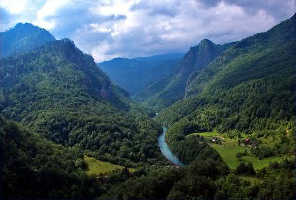 Tara River Canyon entre os maiores canions do mundo