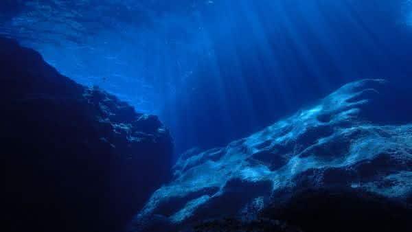oceano atlantico entre oceanos e mares mais profundos do mundo