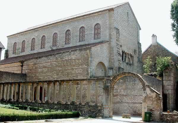 Basilica de Saint-Pierre-aux-Nonnains entre as igrejas mais antigas do mundo